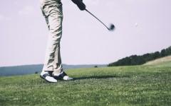 Golf je drahý sport pro bohaté.